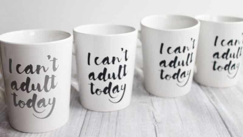4 mugs made with Oracal 651